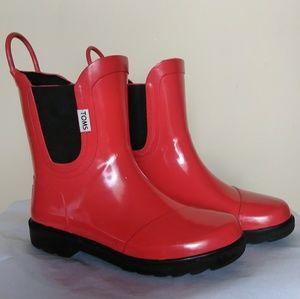TOMS Tiny Toddler rain boots 👢